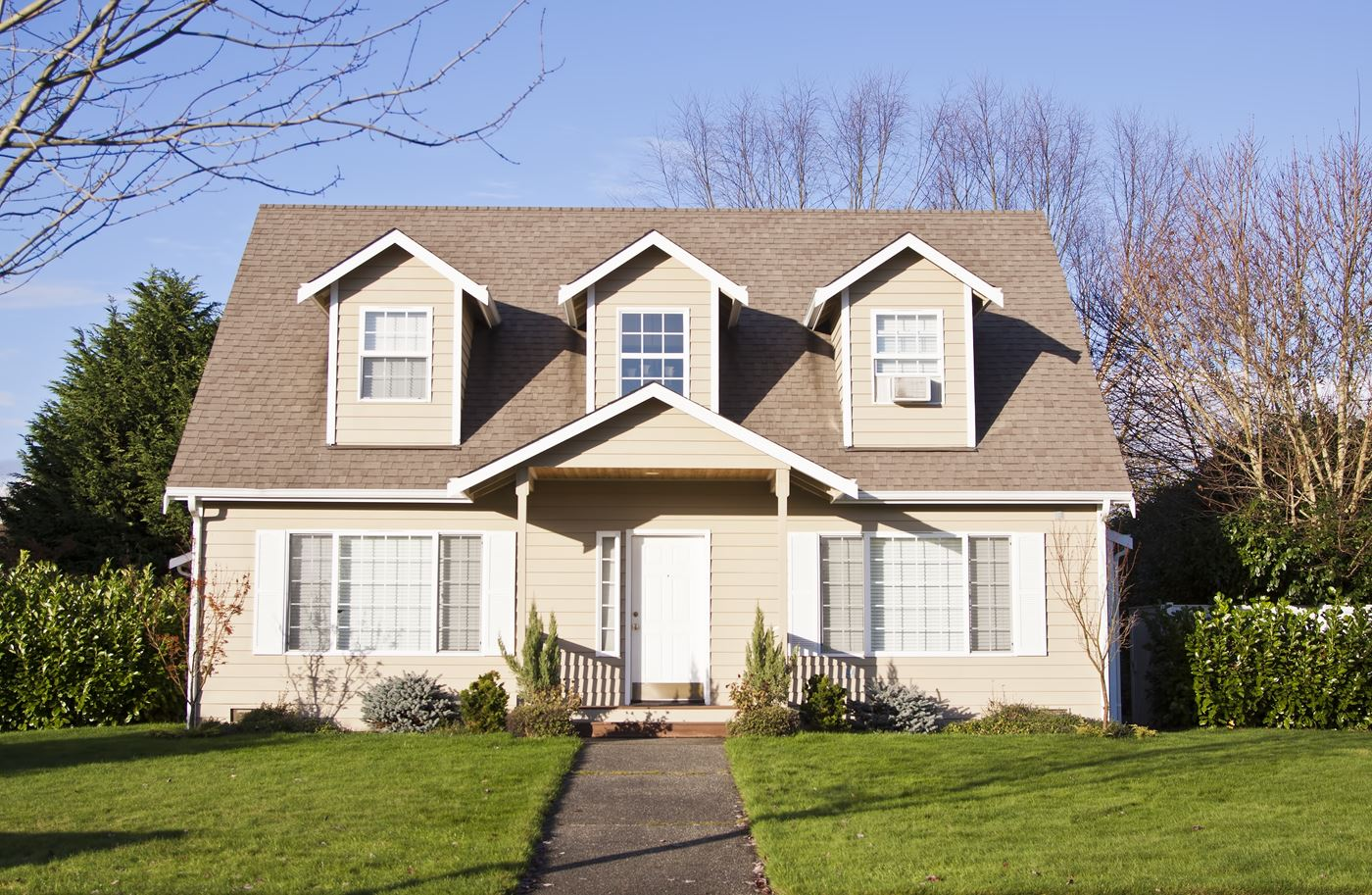Comparing Types of Shingle Roofing for Your New Roof